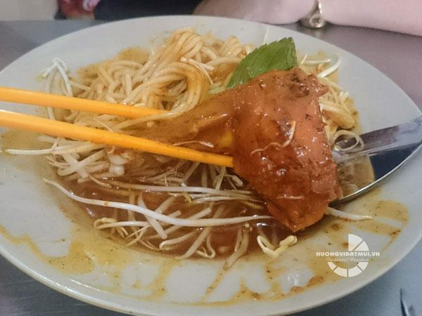 Bánh tằm cay Cà Mau – Món ngon không thể bỏ lỡ khi du lịch miền Đất Mũi